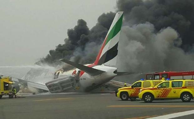emirates-crash-lands_650x400_41470218055